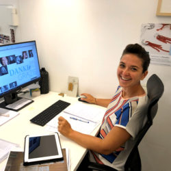 Veronika übernimmt die grafische Gestaltung des neuen Kataloges