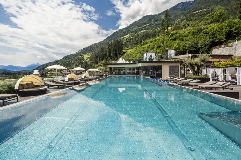 Quellenhof Luxury Resort Schwimmbad